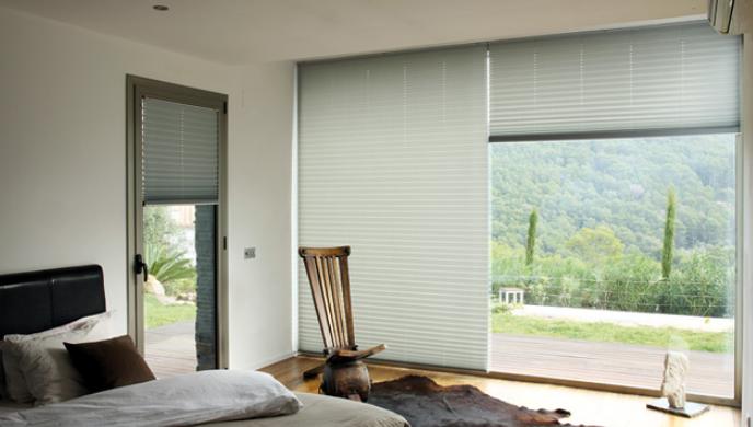 Decorar con cortinas plisadas cortinas bandalux - Cortinas mallorca ...
