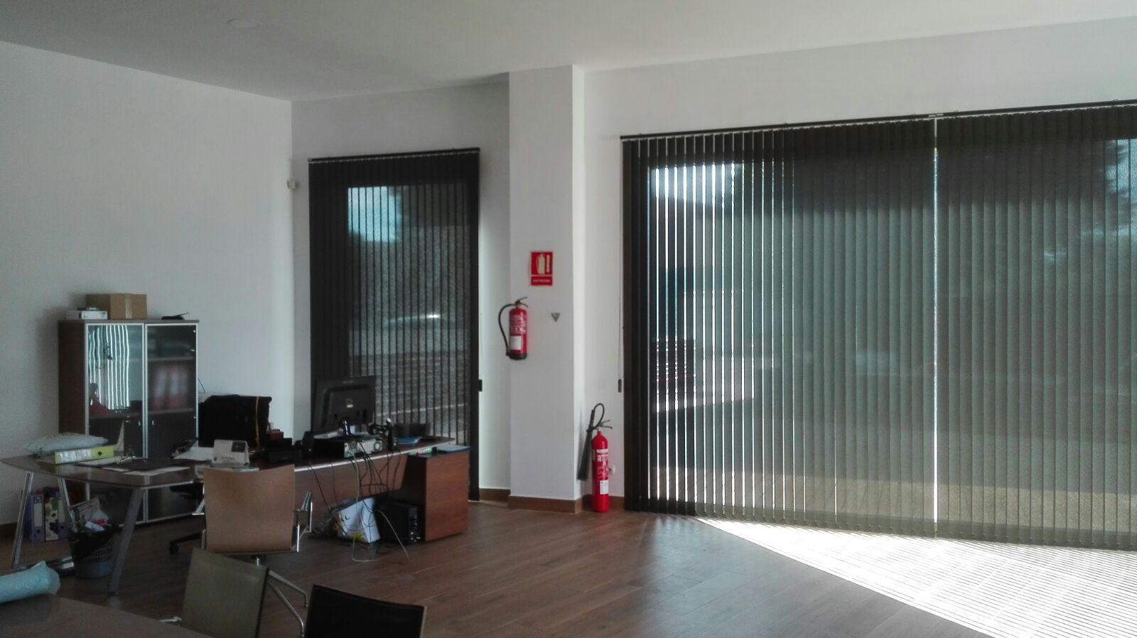 Cortinas verticales llucmajor cortinas verticales bandalux - Cortinas verticales para oficinas ...