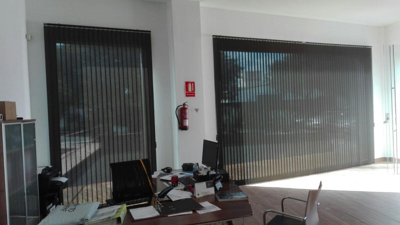 Cortinas verticales llucmajor cortinas verticales bandalux - Cortinas para oficinas ...